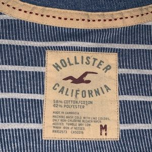 Men's hollister crewneck sweater. Medium